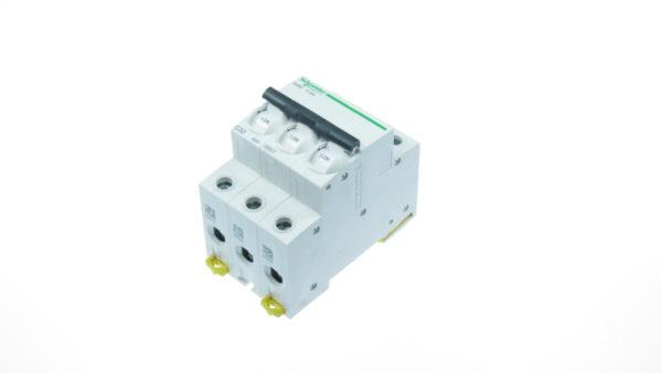 Siguranta automata 3poli (3P) 32A cod A9K24332 Schneider Electric